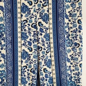 H&M Pants - 💥Bell bottom blue floral retro tights leggings